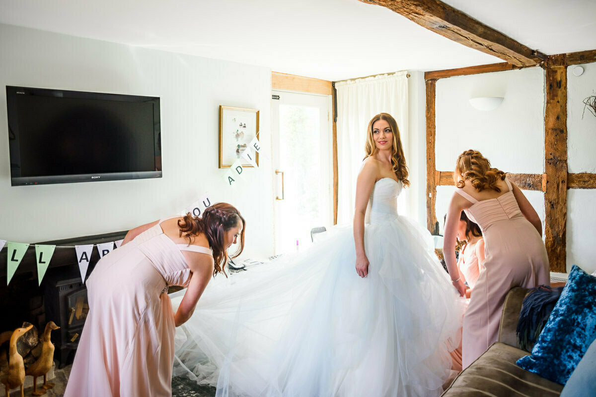 Bridal preparation, wedding dress, vera wang