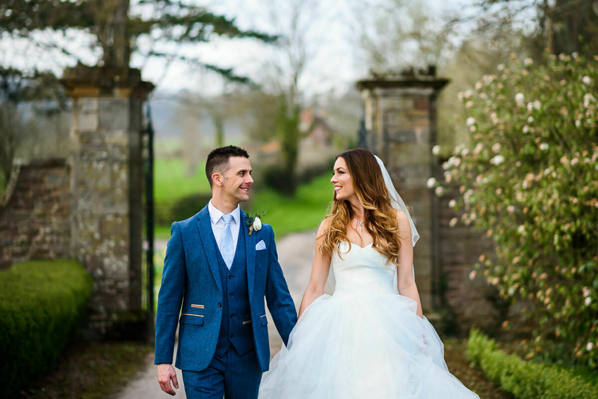 Relaxed wedding at Brinsop court