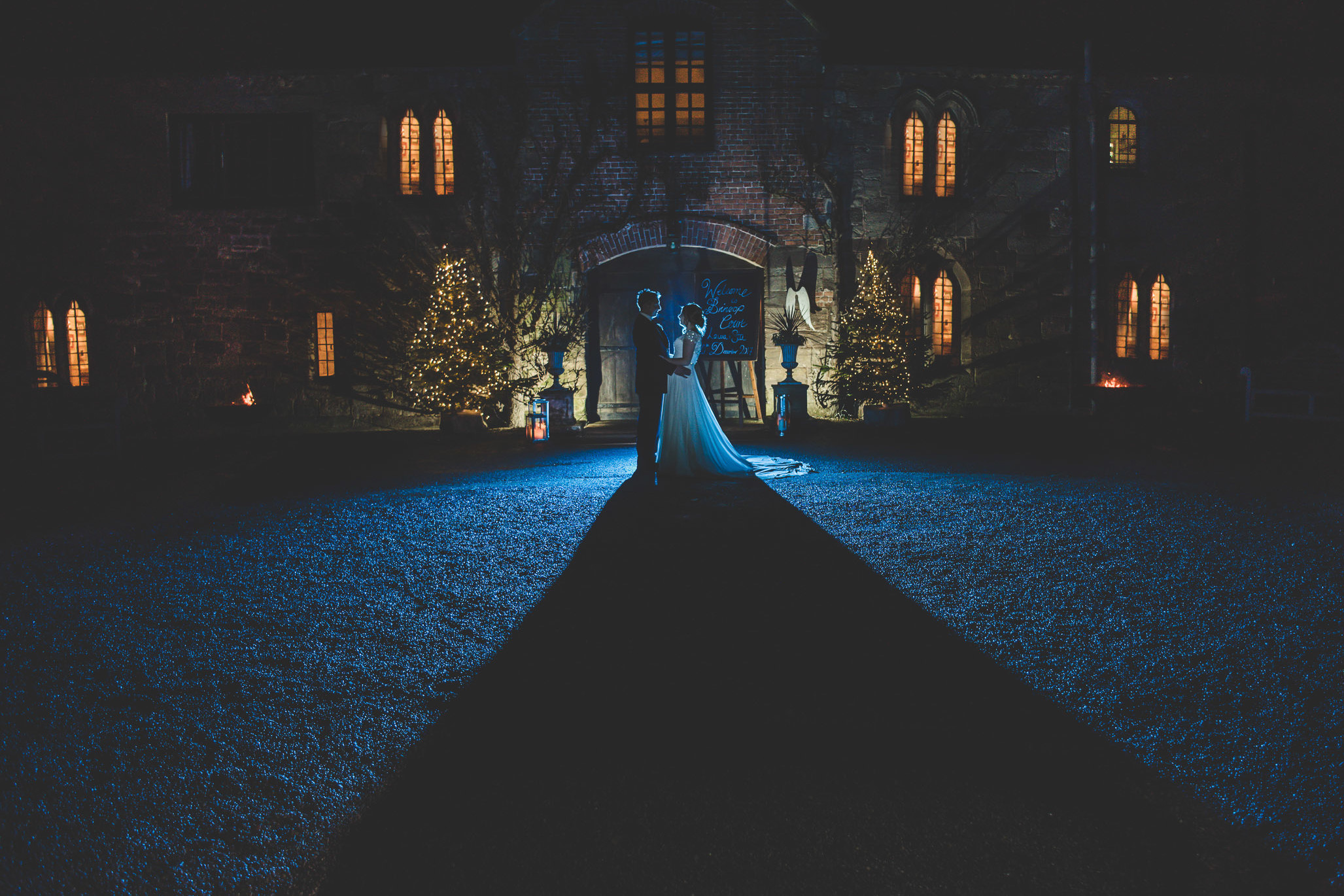 Herefordshire wedding photographer at Brinsop court