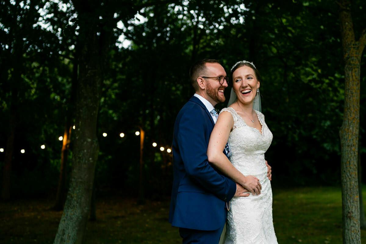 wedding photos at shustoke barn